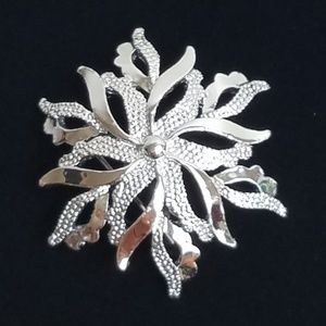 Vintage Gerry's Poinsettia Flower Brooch Christmas